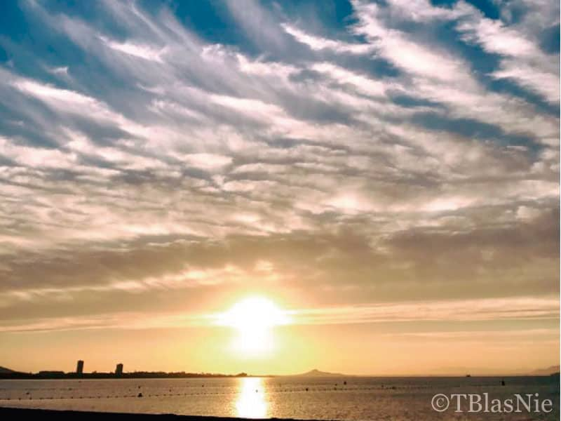 Feathery clouds in Playa Honda - Photo credits: Toñi Blasco