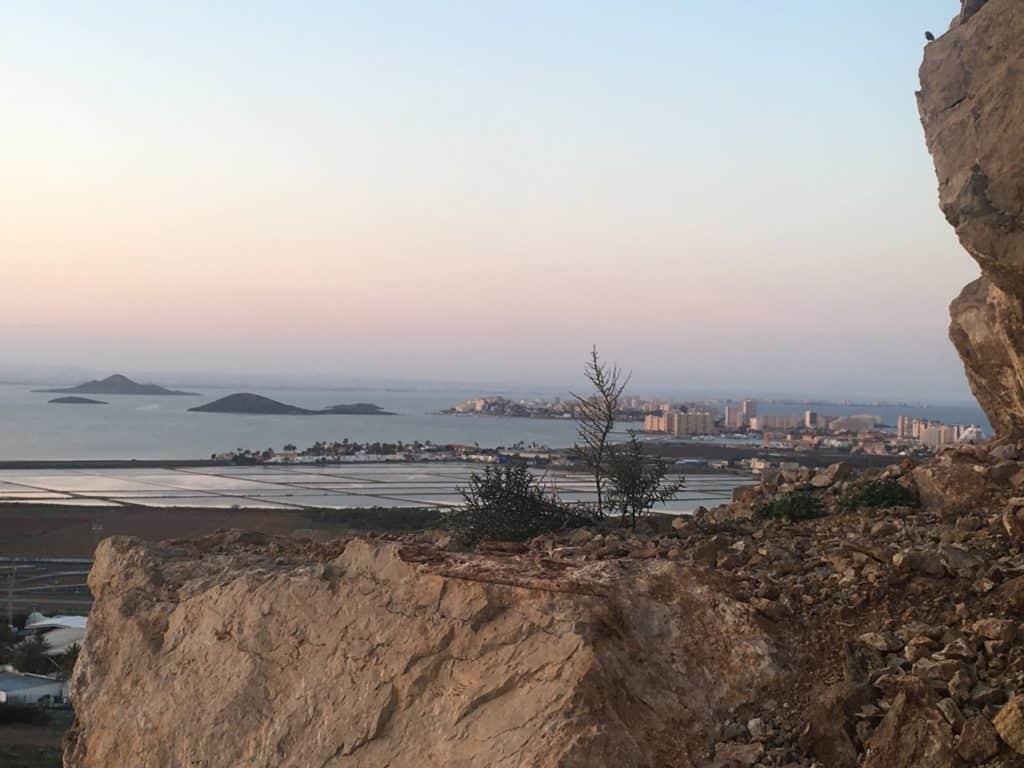 Vista de Playa Honda desde los montes de Cala Reona