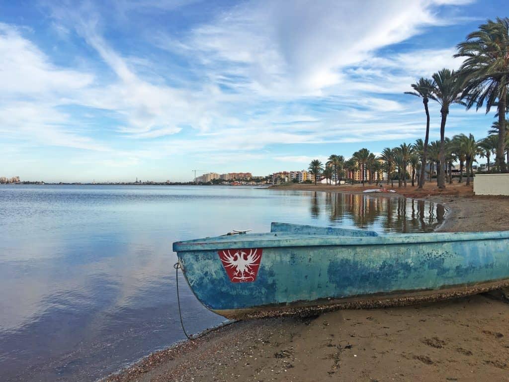 Caminando por la playa de Playa Honda hasta el Camping La Manga