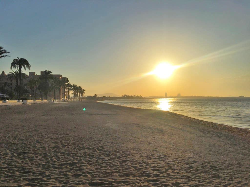 Puesta de sol de ensueño en la playa