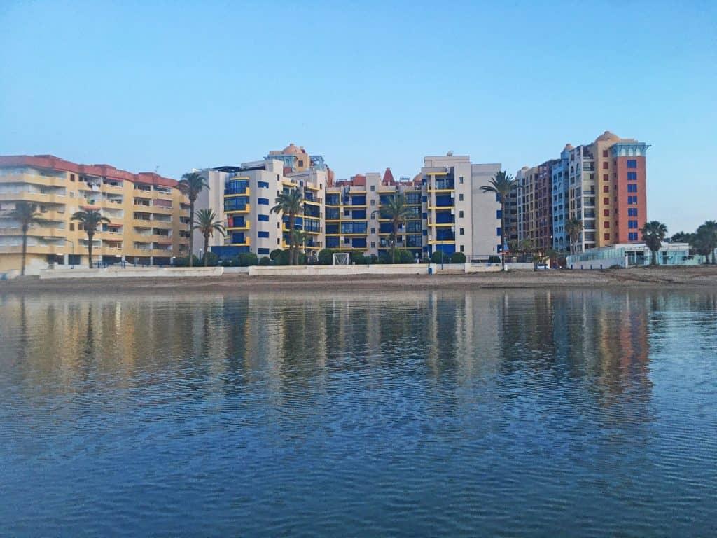 Playa Honda Edificio Verdemar 2 desde el agua