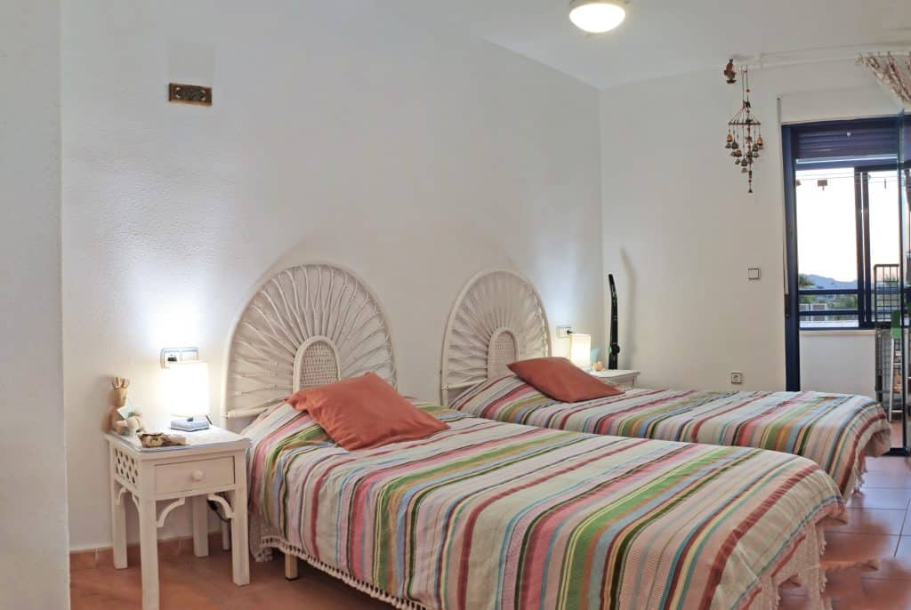 Segunda habitación con balcón-lavadero